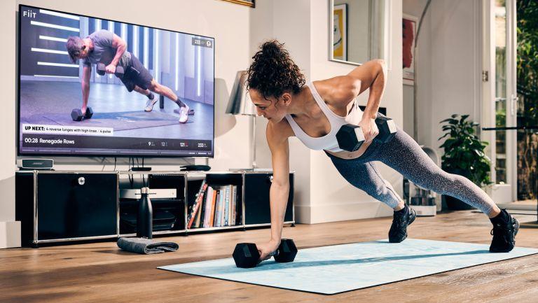 İnsanlar evde hareketsiz kaldığı ve yedikleri öğünleri dikkatli seçemedikleri için online olarak fitness danışmanlığı almaya başladı.